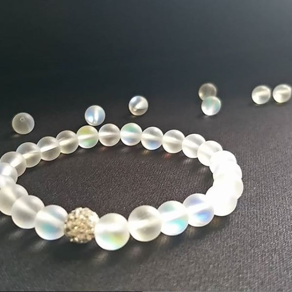 holo-bracelet-with-loose-beads