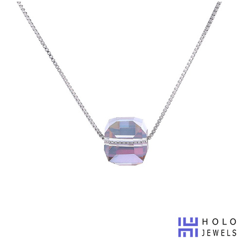 holo-necklace-2-2019
