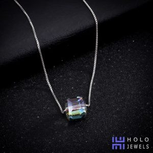 holo-necklace-2019